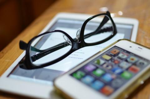 iPadとメガネ