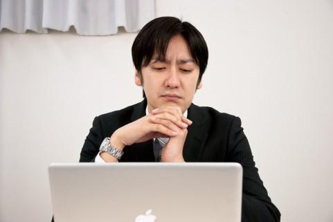 ビジネスマン・パソコン