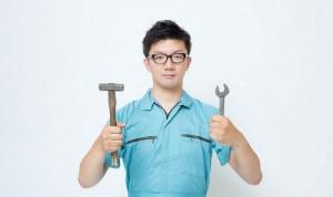 作業着の男性