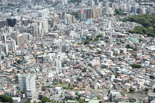 市街地を見下ろす